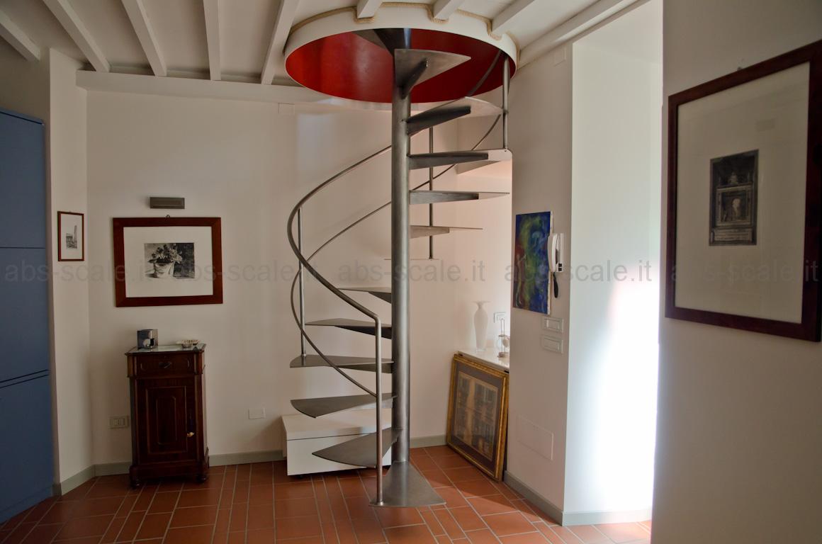 Casa moderna roma italy scala a chicciola - Scale a chiocciola moderne ...