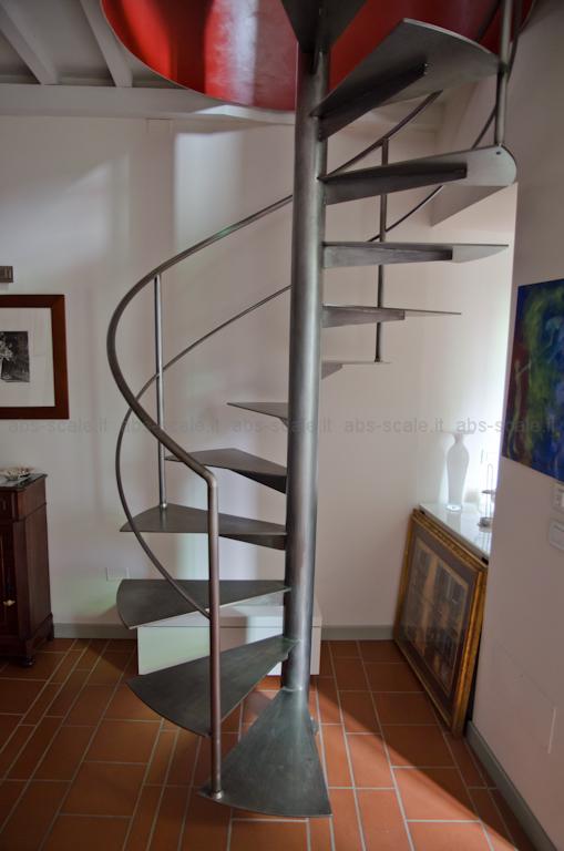 Abs scale scala a chiocciola in ferro a pianta tonda con - Cancelletti per scale a chiocciola ...