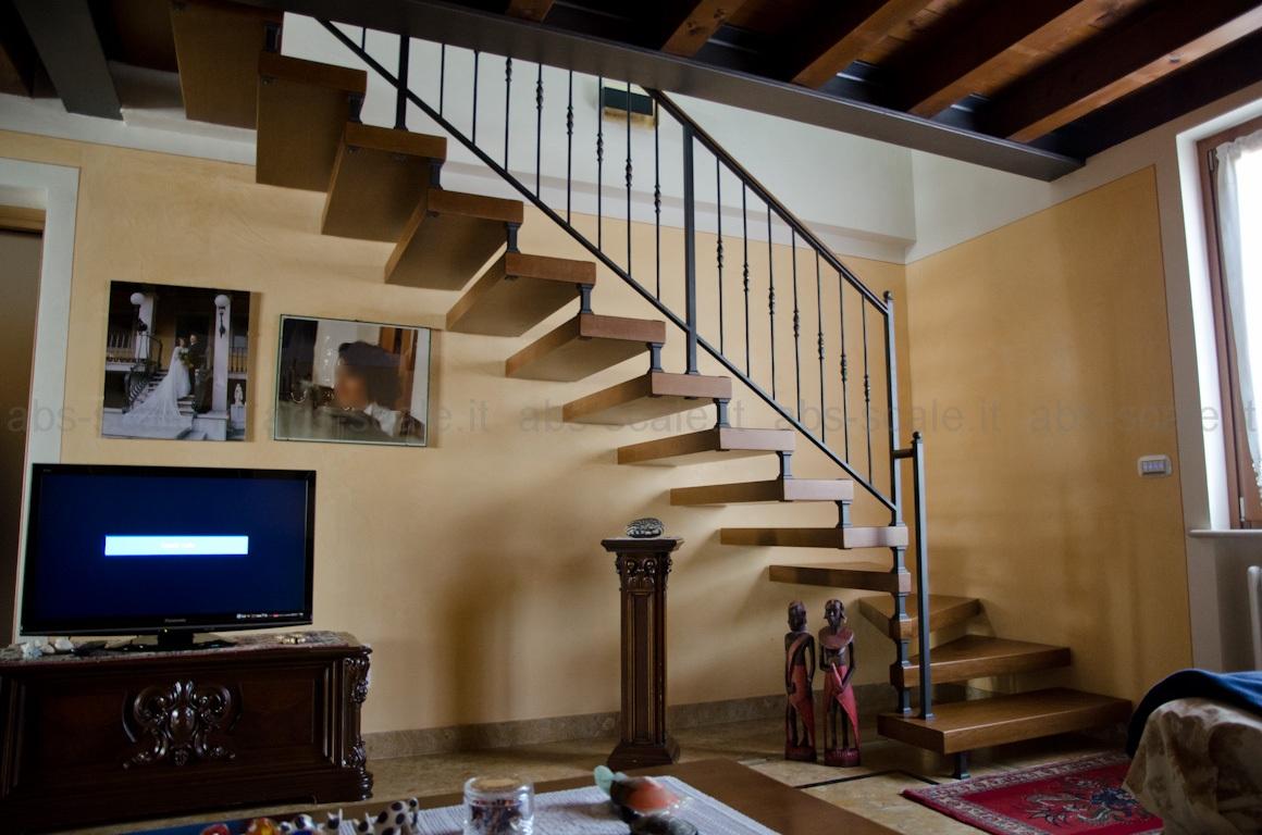 Abs scale scala a giorno a sbalzo inserita in un - Scale in muratura per interni ...